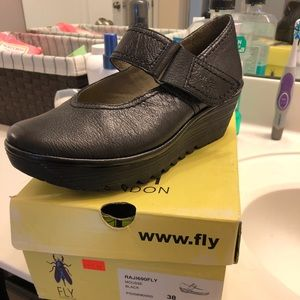 Gently Used London Fly size (38)